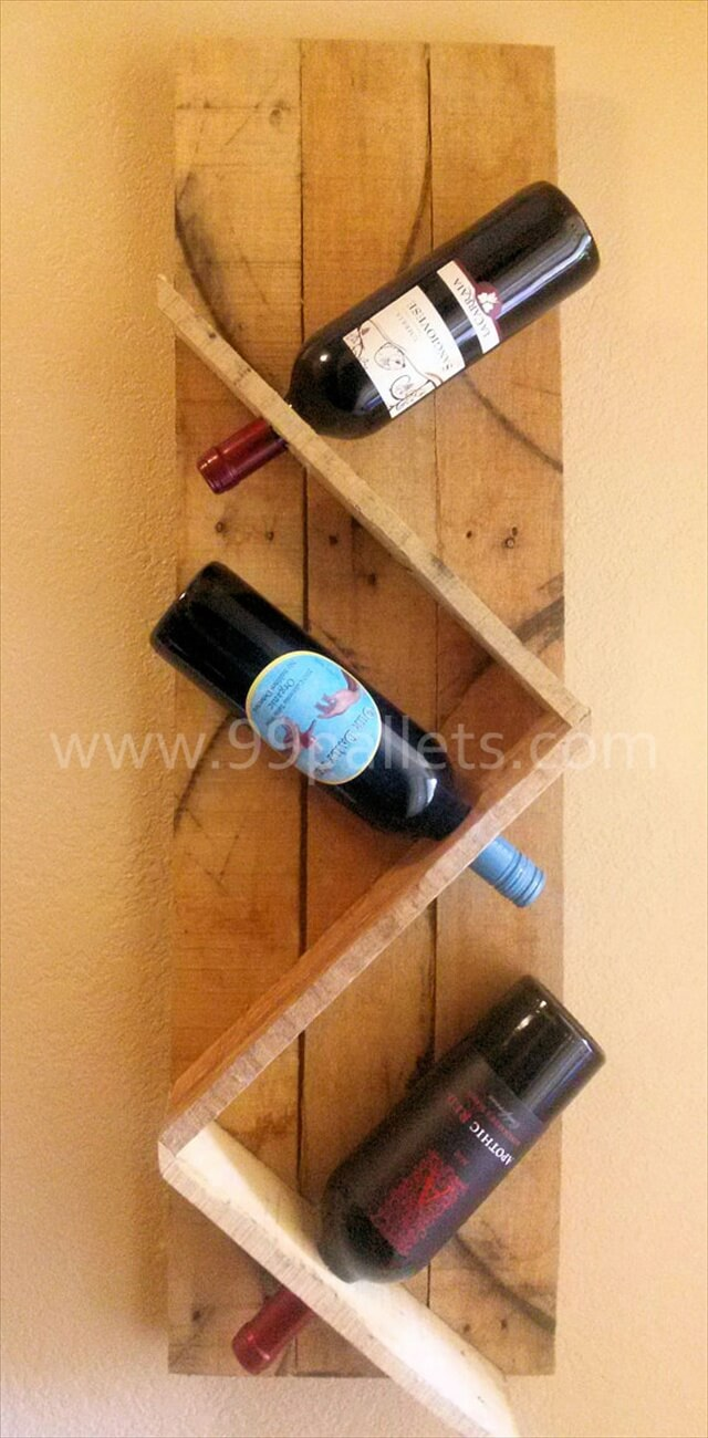 DIY Pallet Wine Rack