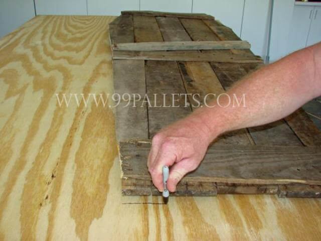 DIY Pallet Wood Low Cost Coffin