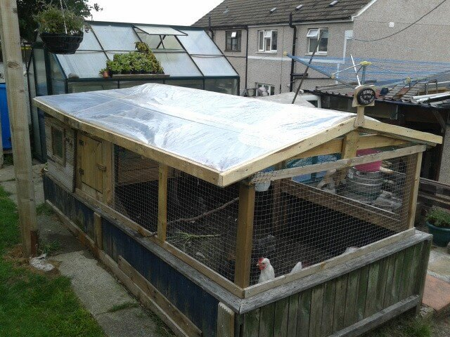 8 diy pallet projects with instructions 99 pallets Chicken coop from pallet wood