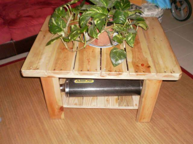 DIY Small Pallet Table