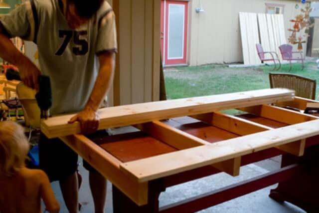 Make a Pallet Bed