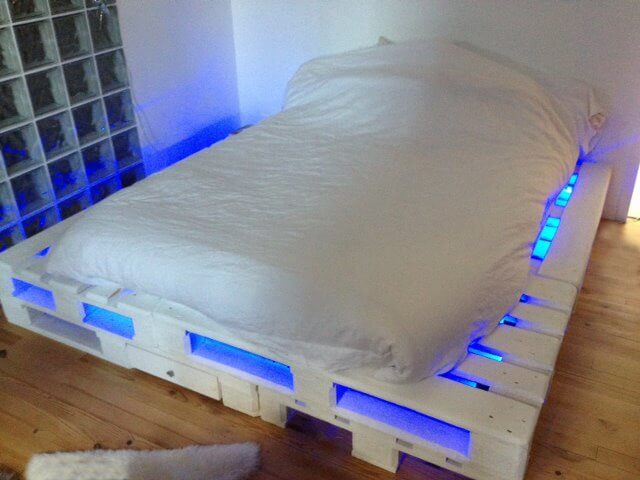 Pallet Bed with Lights and Drawers