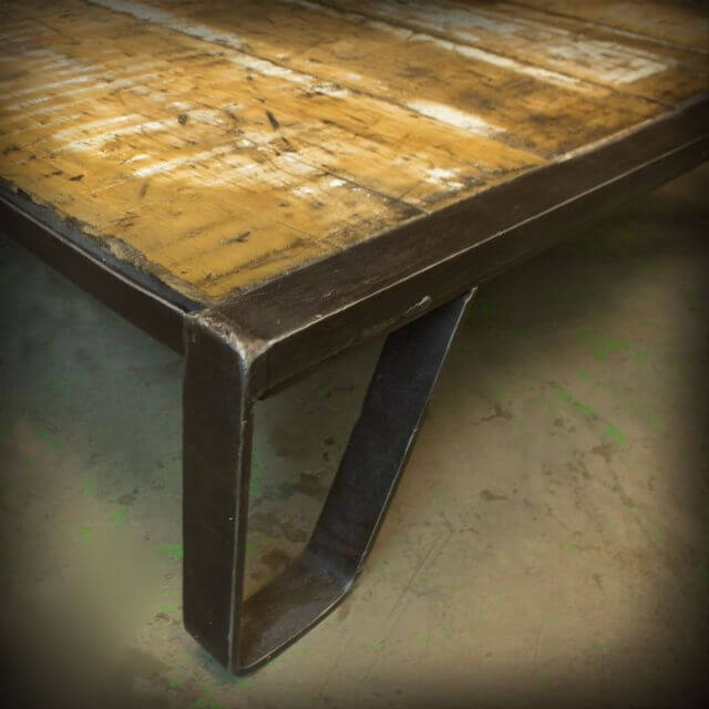 Industrial Pallet Art: Rocker Coffee Table | 99 Pallets