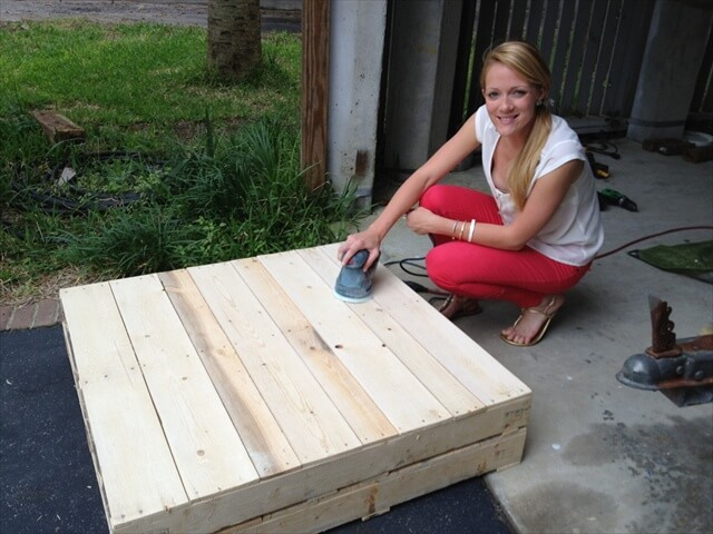 Woodwork plans making a coffee table out of pallets pdf plans - How to make table out of wood pallets ...