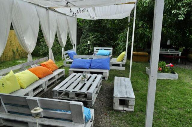 Pallet outdoor furniture 99 pallets for Muebles de palets reciclados