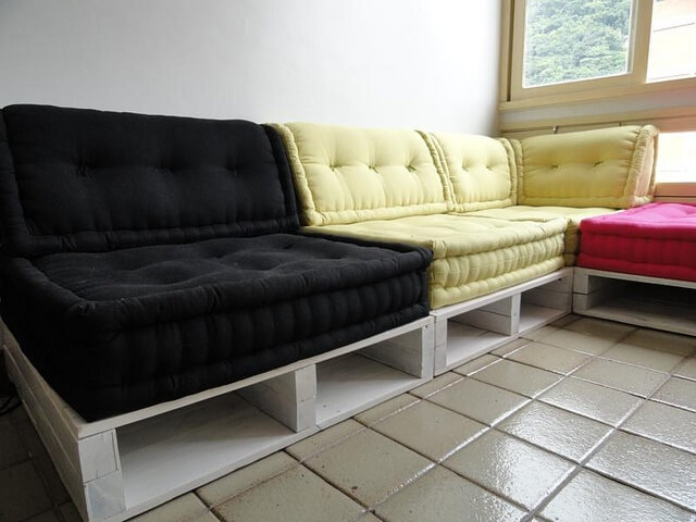 13 DIY Sofas Made from Pallet 99 Pallets