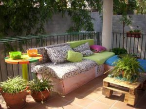 pallet sofa and table