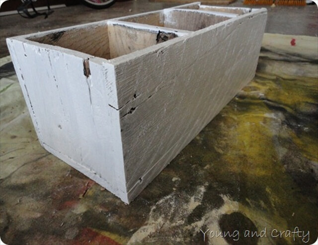 DIY Pallet Trough with Dividers