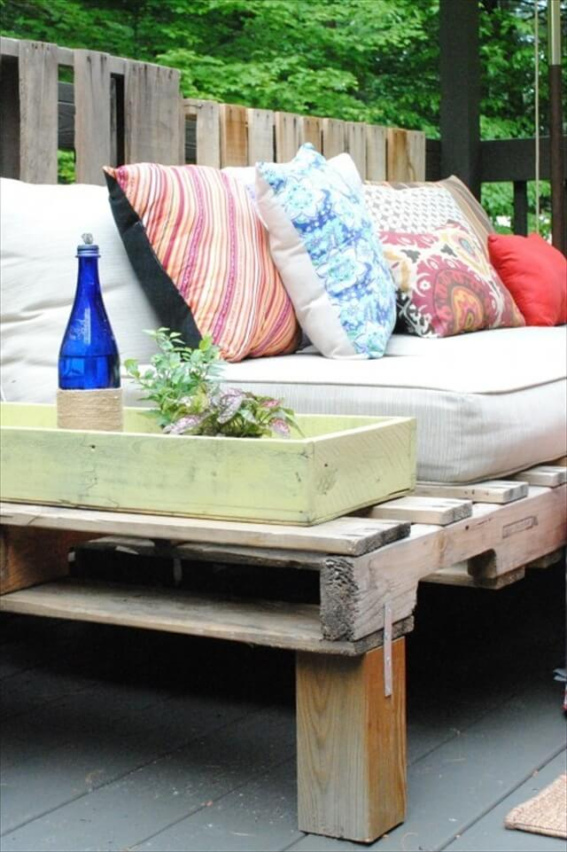 Pallet sofa design for outdoors diy pallet sectional sofa for patio