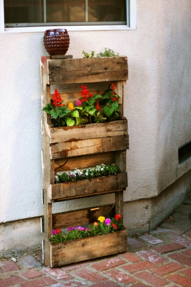 Step by step instructions for vertical pallet garden 99 for How to make a vertical garden using pallets