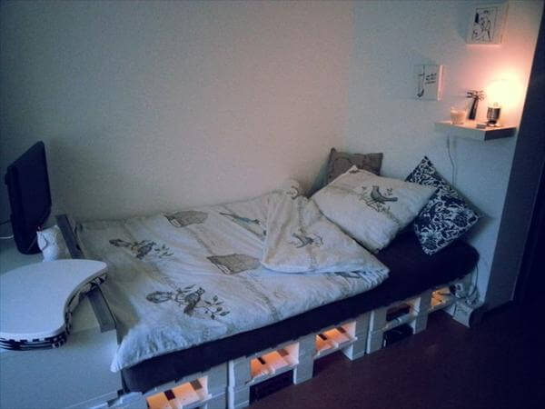 DIY 20 Pallet Bed Frame Ideas | 99 Pallets