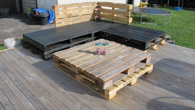 Pallet sofa and Table without cushions
