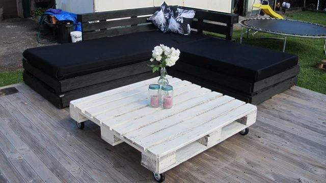 Wood Pallet Deck Furniture