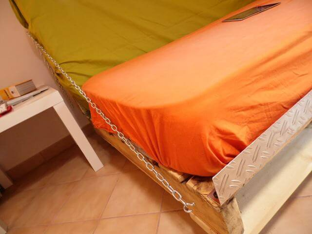 diy pallet sofa bed 99 pallets. Black Bedroom Furniture Sets. Home Design Ideas