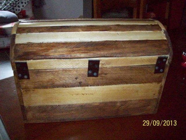DIY Small Pallet Chest | 99 Pallets