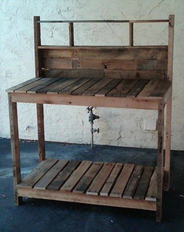 diy pallet potting desk