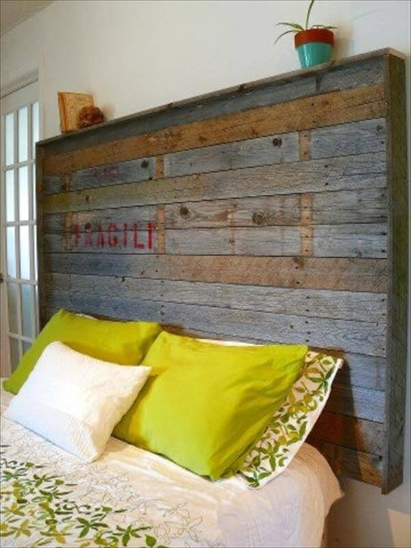 40 recycled diy pallet headboard ideas 99 pallets - Camas con palets ...