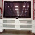 DIY Old Pallet TV Stand