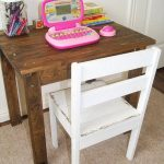 DIY Kids Pallet Table and Chair