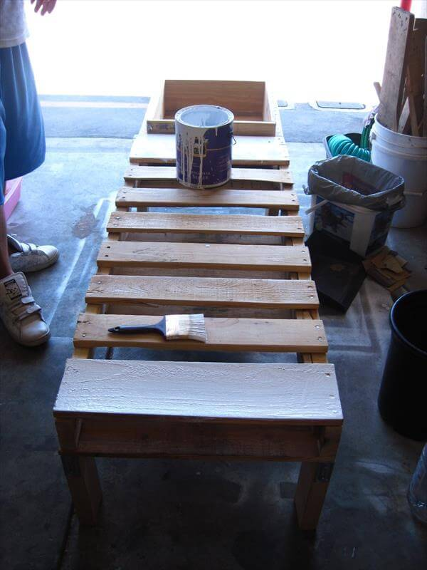 paint the pallets