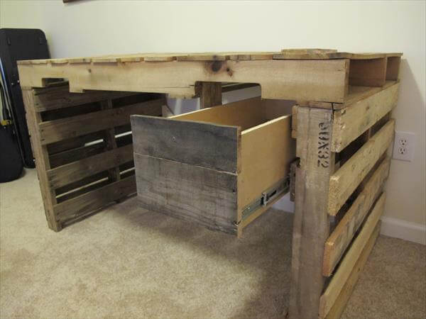 diy pallet desk with drawers 99 pallets. Black Bedroom Furniture Sets. Home Design Ideas