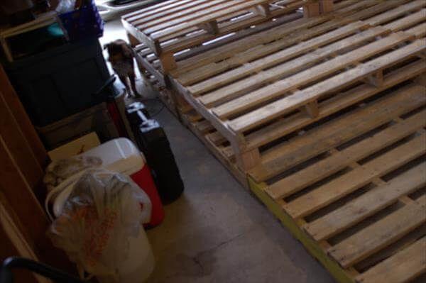 arranging of pallet boards