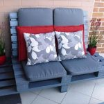 Pallet Outdoor Sofa with Table for Lounge
