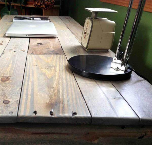 reclaimed pallet study table