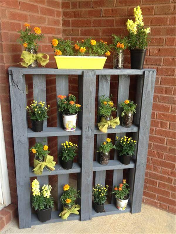 reclaimed pallet vertical planter