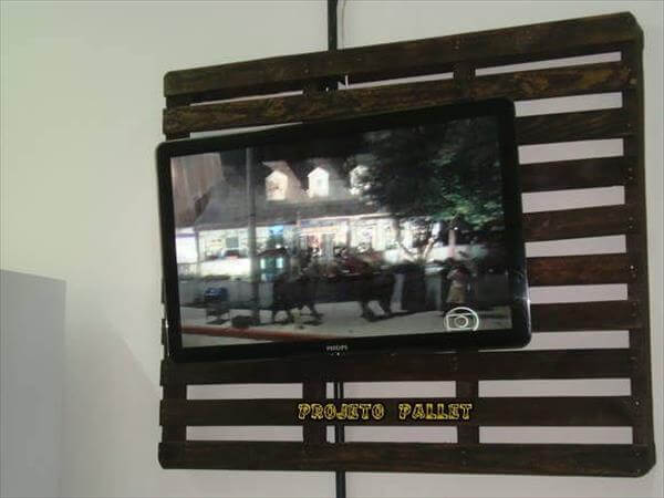 DIY Recycled Pallet TV Stand | 99 Pallets