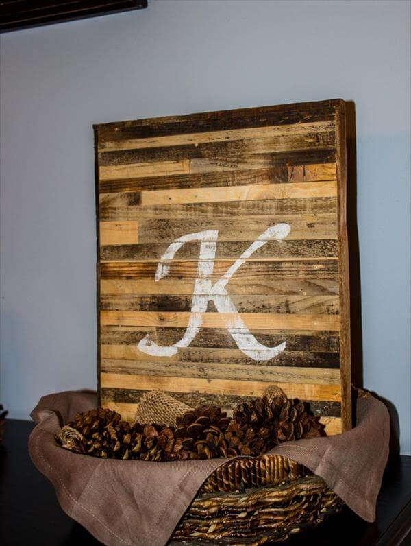 wooden pallet sign