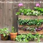 DIY Pallet Mini Flower Garden