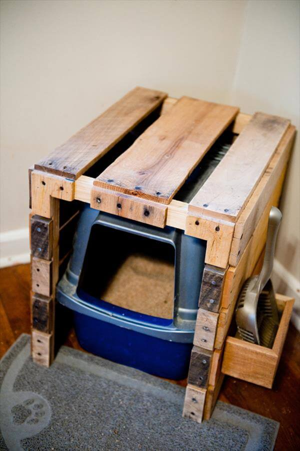 Diy Pallet Litter Box With Scoop Holster 99 Pallets