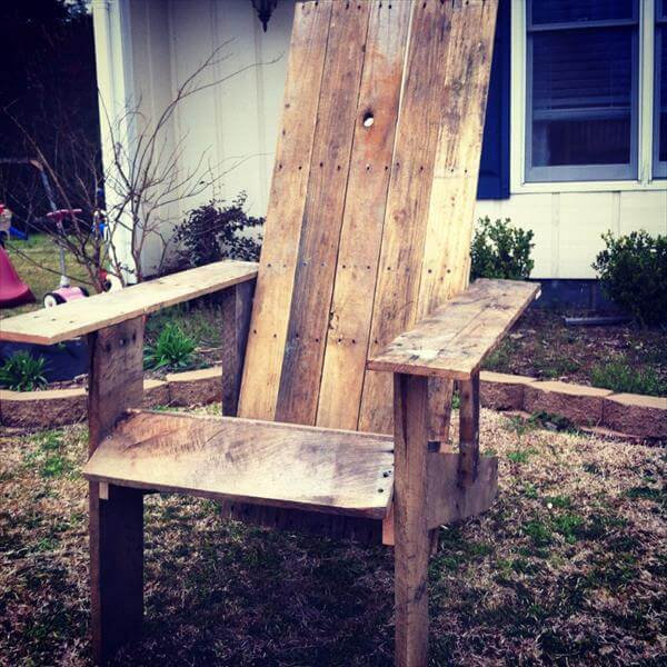 recycled pallet out door chair