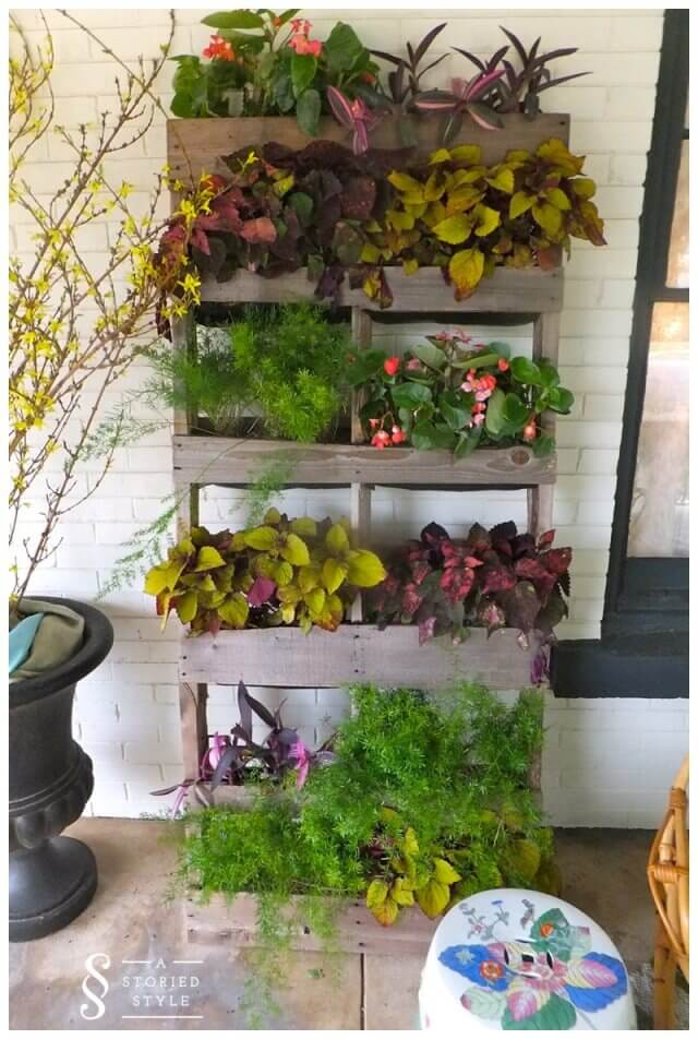 Using pallets for a garden pallet vertical planter 99 for How to make a vertical garden using pallets