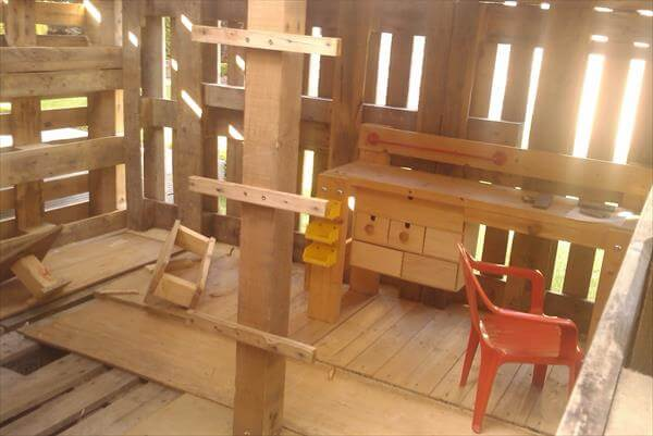 recycled pallet playhouse interior