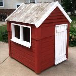 Build Easy DIY Playhouse From Pallets