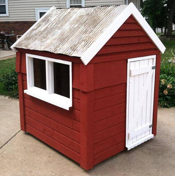 build easy diy playhouse from pallets 99 pallets