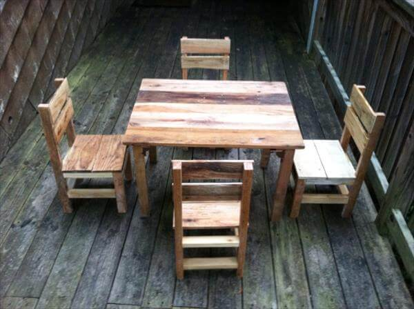 regained pallet table and chairs