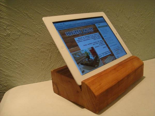recycled pallet tablet support