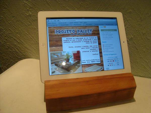 reclaimed pallet tablet support
