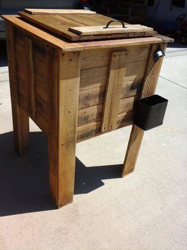 repurposed pallet cooler box