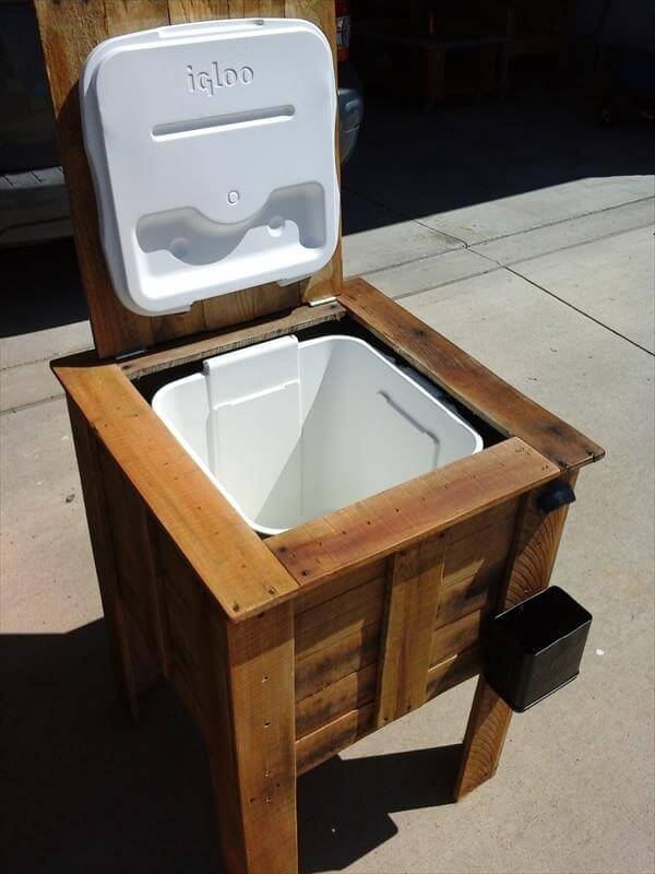 Diy pallet cooler box plan 99 pallets for Wooden beer cooler plans