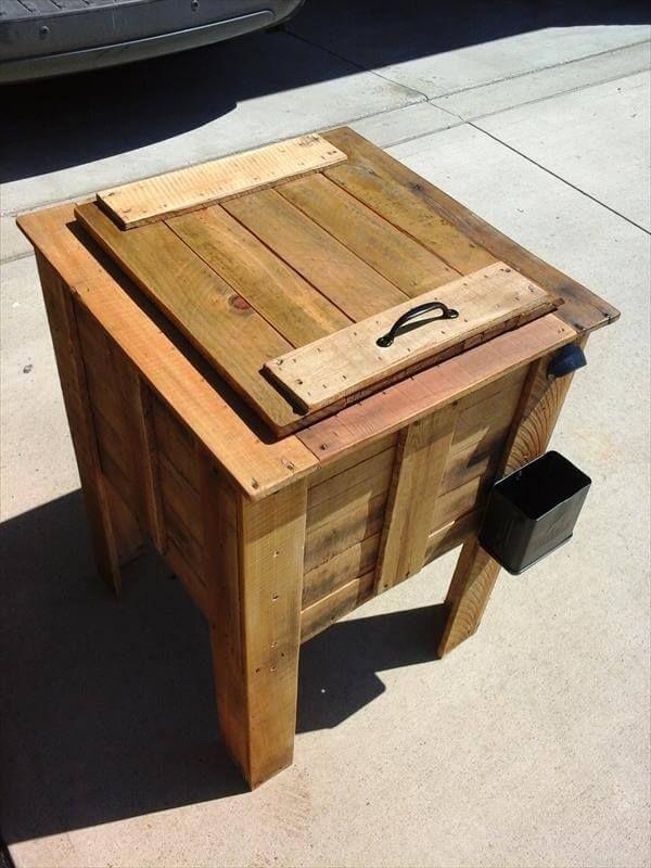 reclaimed pallet cooler box