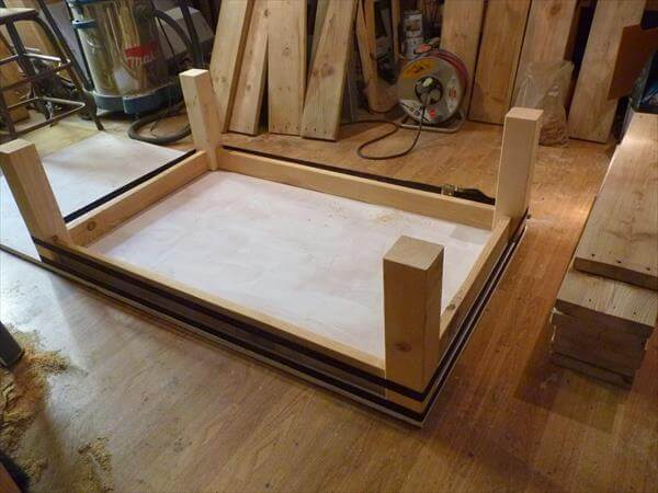 How to make your own wood coffee table 99 pallets for Make your own end table