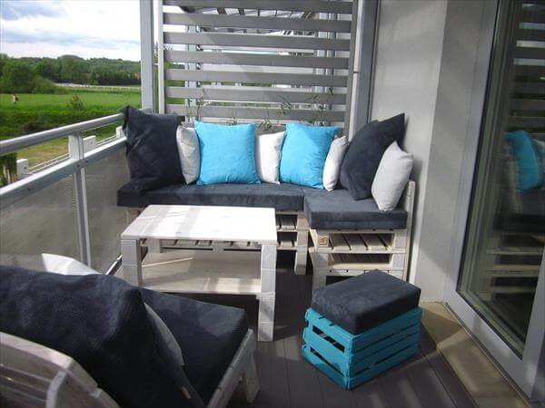 Pallet furniture ideas for the outdoor 99 pallets for Balkon sofa