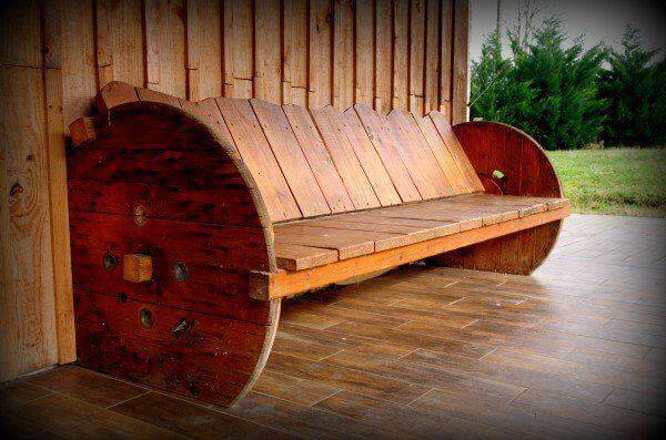 Diy pallet and cable drum benches 99 pallets for Wooden wire spool ideas