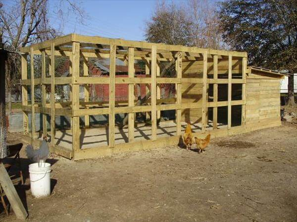Diy how to build a pallet chicken coop 99 pallets for How to build a chicken coop from wooden pallets