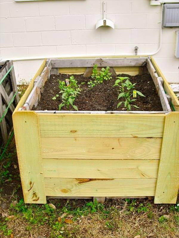 retrieved pallet planter box