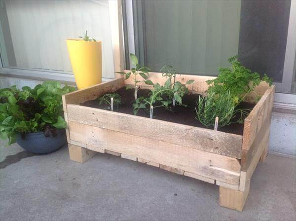 planter box out of pallet